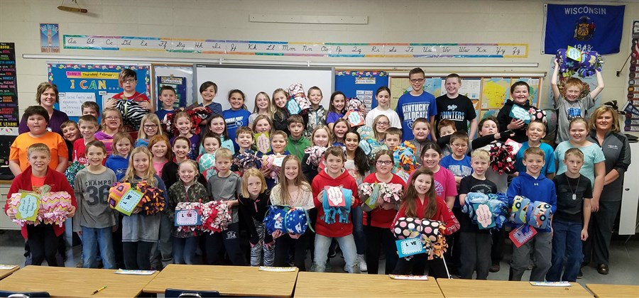 4th Graders With Blankets _FOR FACEBOOK