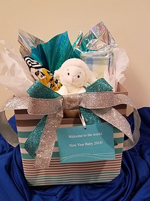 Filled And Decorated Gift Basket 295